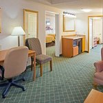 CountryInn&Suites Findlay  Suite