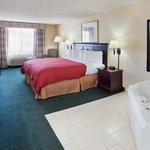  CountryInn&amp;Suites Hiram  WhirlpoolSuite