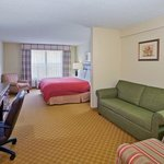 CountryInn&Suites IronMountain  GuestRoom