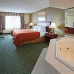 CountryInn&Suites Willmar  WhirlpoolSuite