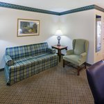 CountryInn&Suites Lewisburg  Suite