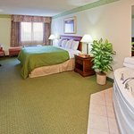 ‪Holiday Inn Express Mishawaka‬