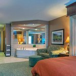 CountryInn&Suites Roanoke WhirlpoolSuite