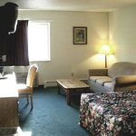 Φωτογραφία: Brass Bell Inn and Suites