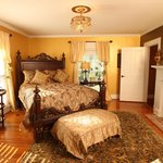 Chestnut Hill Bed &amp; Breakfast Inn
