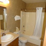 bathroom of 1 bed Deluxe Timbers