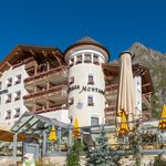 Wellness Hotel Chasa Montana