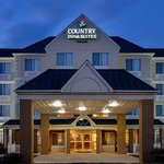  CountryInn&amp;Suites Lexington  ExteriorNight