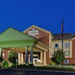 CountryInn&Suites Loudon  ExteriorNight