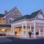  CountryInn&amp;Suites Willmar  ExteriorNight