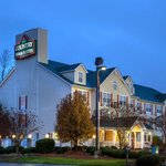  CountryInn&amp;Suites RockHill  ExteriorNight
