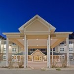 CountryInn&Suites IronMountain  ExteriorNight