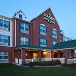  CountryInn&amp;Suites Coralville  ExteriorNight