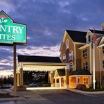 CountryInn&Suites Burlington ExteriorNight