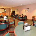 Foto van Econo Lodge Inn And Suites East