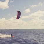                    Kitesurfing direkt frn stranden