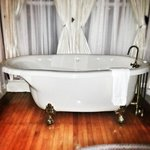 Claw-foot jacuzzi tub in Rose room