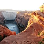  Nearby Glen canyon Dam