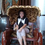                    becak di lobby hotel