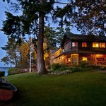 Located outside the town of Coupeville, the Inn perfect for a quite, relaxing getaway.