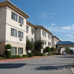 Quality Inn &amp; Suites Airport