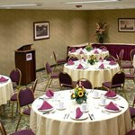 Travers Meeting Room - Banquet Set-up