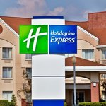 Newton Iowa Downtown Holiday Inn Express Hotel
