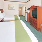 Foto van Holiday Inn Express Hotel & Suites - Cleveland