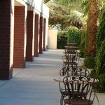  Sacramento Airport Hotel, Woodland Patio Area