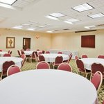 Spcios meeting room holds 50 people banquet style