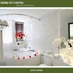  Hong Vy Suite Bathroom