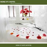 Hong Vy Suite Bathtub