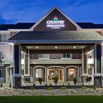 CountryInn&Suties Minot ExteriorNight