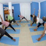 FUERTE con YOGA