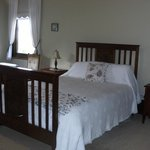  Grand Queen Bedrooms