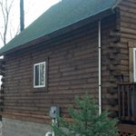                    Settler&#39;s Hollow Cabin