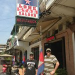 Lone Star Saloon Bar and Guest House resmi