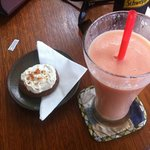 Papaya, banana & coconut smoothie, and orange cappuccino cookie.