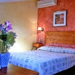 Photo de Hostal Amantes De Teruel