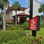Savannah Red Roof Inn And Suites