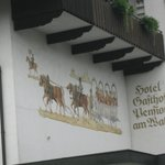  Painting on the Building