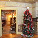                    Christmas tree in the entry/ living room