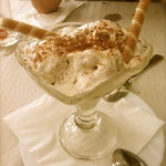 Amazing cinnamon ice cream...fantastic!
