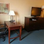  471 - Desk and Entertainment center