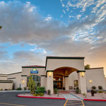 Welcome to the Days Inn & Suites Scottsdale