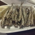 Fried anchovies (8 €)