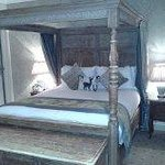 big four poster bed