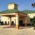 Holiday Inn Exsuites Denham Sprg