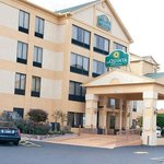 La Quinta Inn &amp; Suites Memphis East-Sycamore View