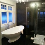 Brockingham Suite Bathroom